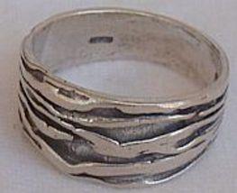 An silver ring 1 thumb200