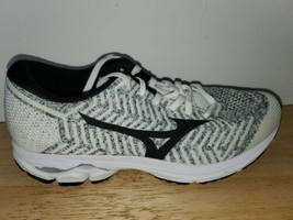 Mizuno wave knit R2 Women's Running Shoes  J1GD182910 size 9.5 - $62.36