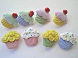 Eight cupcakes thumb200