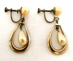 Vintage Costume Fashion Pearl Tear Drop Gold Plated Screw Back Earrings - $29.37