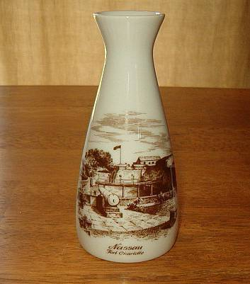 Nassau fort charlotte kaiser pottery souvenir vase