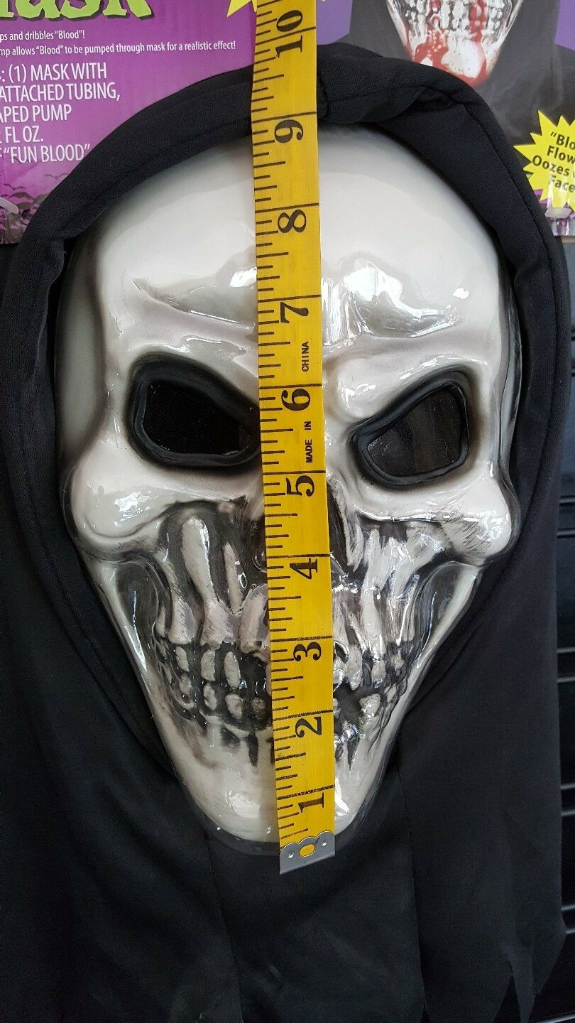 Halloween Mask Bleeding Skull Two Layer Fake Blood Flow Down Face Scary Effect