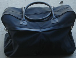 Gently Used Chrome Azzaro Travel Bag - VGC - GREAT CARRY ON SIZE - DURABLE - $568,40 MXN