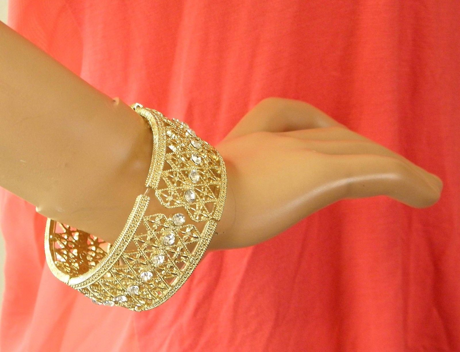 NEW CHARTER CLUB GOLD TONED CRYSTAL STRETCH BRACELET