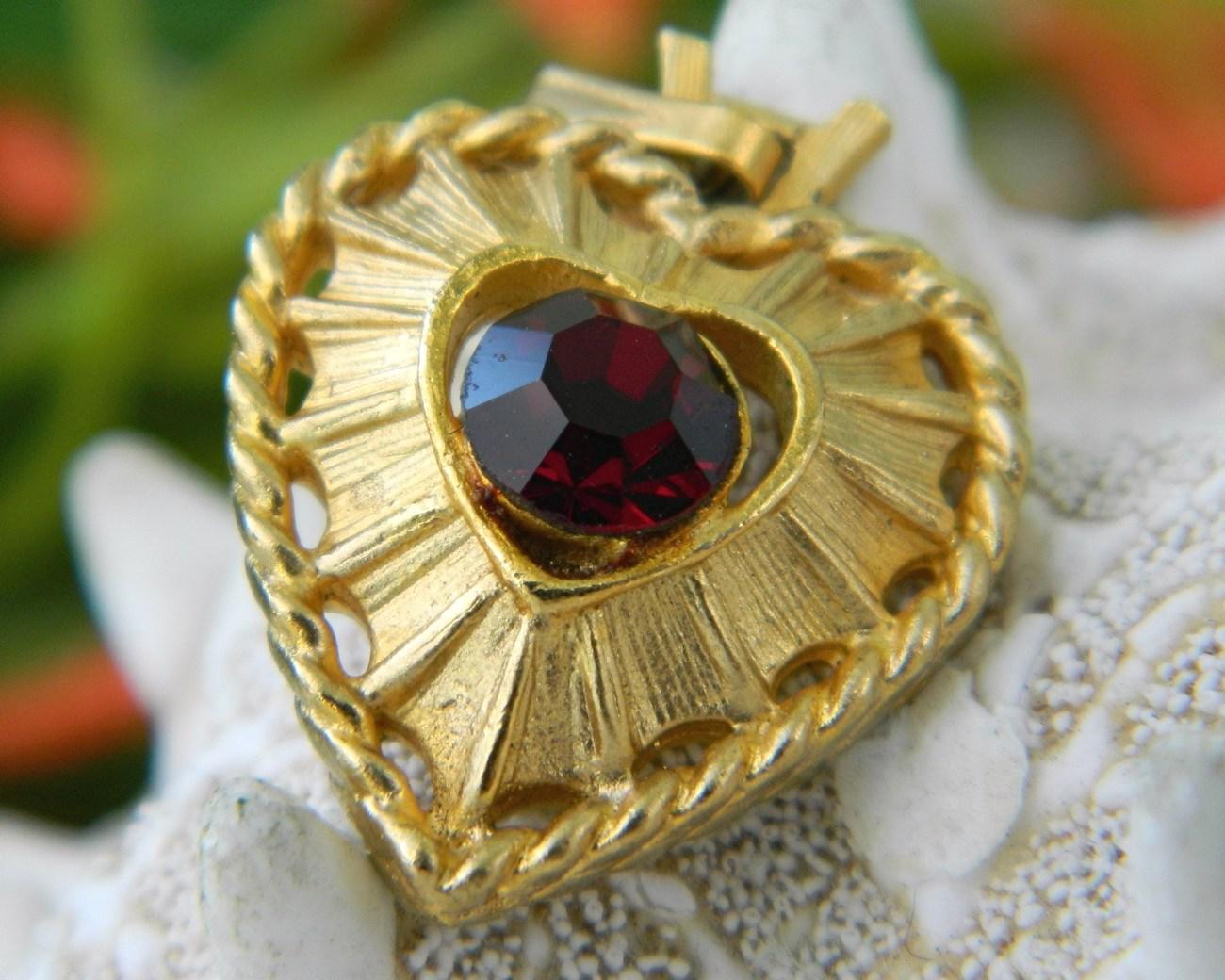 Vintage Heart Pendant Valentine Goldtone Ruby Red Rhinestone