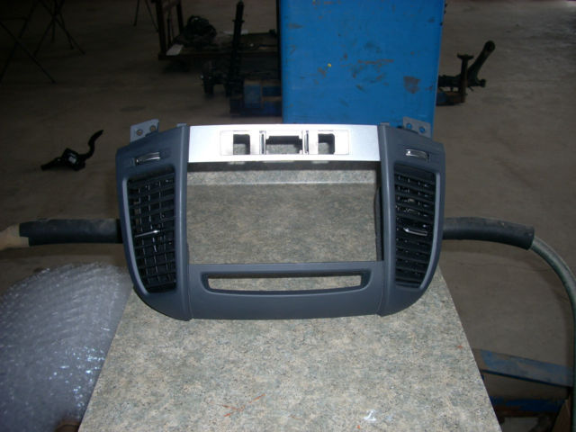 2008 Hyundai Santa Fe Radio Bezel W Vents And 39 Similar Itemsrhbonanza: Hyundai Santa Fe Radio Bezel At Gmaili.net