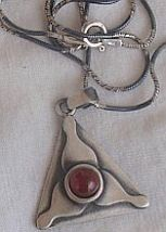Triangle red  pendant a 3 thumb200