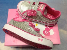 Keds Hello Kitty I Heart Kitty Sequience Velcro Sneaker Toddler Size 6.5 - $22.00