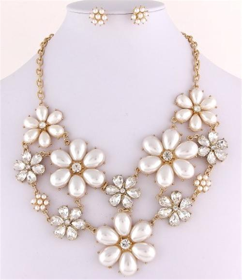 Primary image for Stunning flower bib cream pearl necklace set birdal evening party prom jewelry