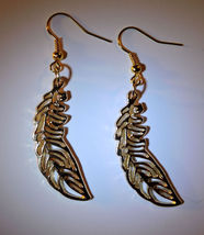 Beautiful 14k Gold Filled Feather Dangle Earrings - $12.00