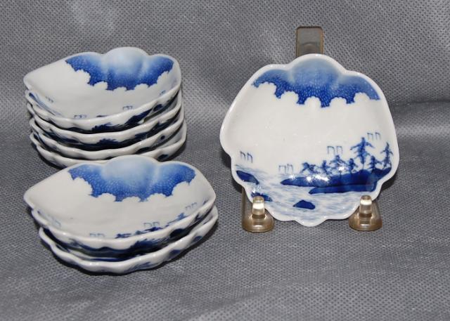 Set of 7 Japanese Antique Arita Porcelain Shell Shape Landscape Painted Plates