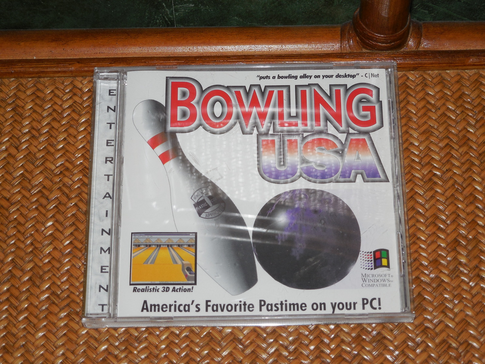 BOWLING USA SOFTWARE CD-ROM WINDOWS SOFTWARE COMPLETE ONLY AS PICTURED USED