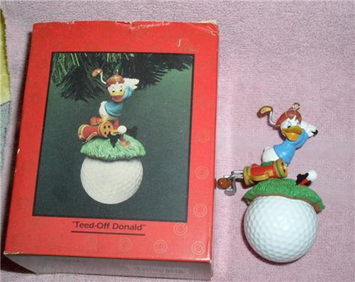 Disney Donald Duck  golf Figurine Ornament Made of Resin