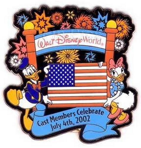 Disney Donald and Daisy Duck Cast Member - July 4 Mickey's Retreat pin/pins