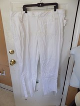 CATO CLASSIC WHITE PLUS  PANTS SIZE 24W AVERAGE WOMEN'S NEW - $21.84