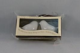 Kate Aspen Love Bird Kissing Salt & Pepper Shakers NIB - Wedding / Showe... - $5.00