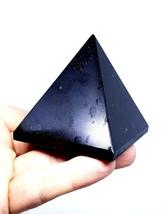 Grande Puro Turmalina Negra Pirámide Reiki Cargado Cristal Gema Protector - $47.04
