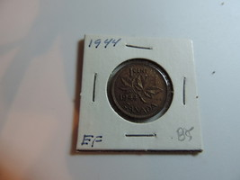 1944 Canadian Penny coin A247 - $5.80