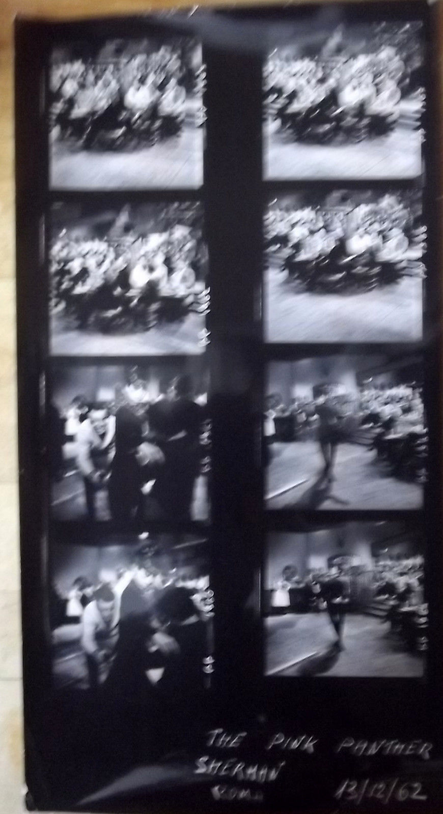 PETER SELLERS, & CAST (THE PINK PANTHER) RARE 1964 ORIG, CONTACT SHEET PHOTO # 5