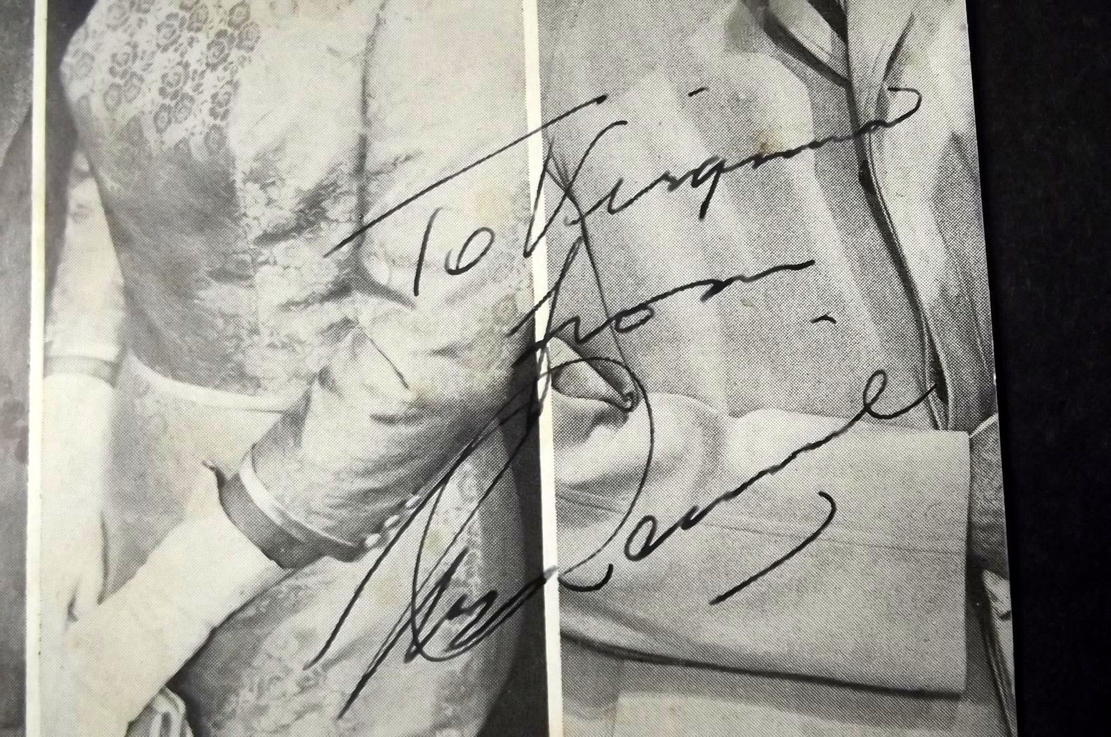 MICHALE RENNIE (ORIGINAL VINTAGE AUTOGRAPH) SIGN ON PLAYBILL COVER (CLASSIC)