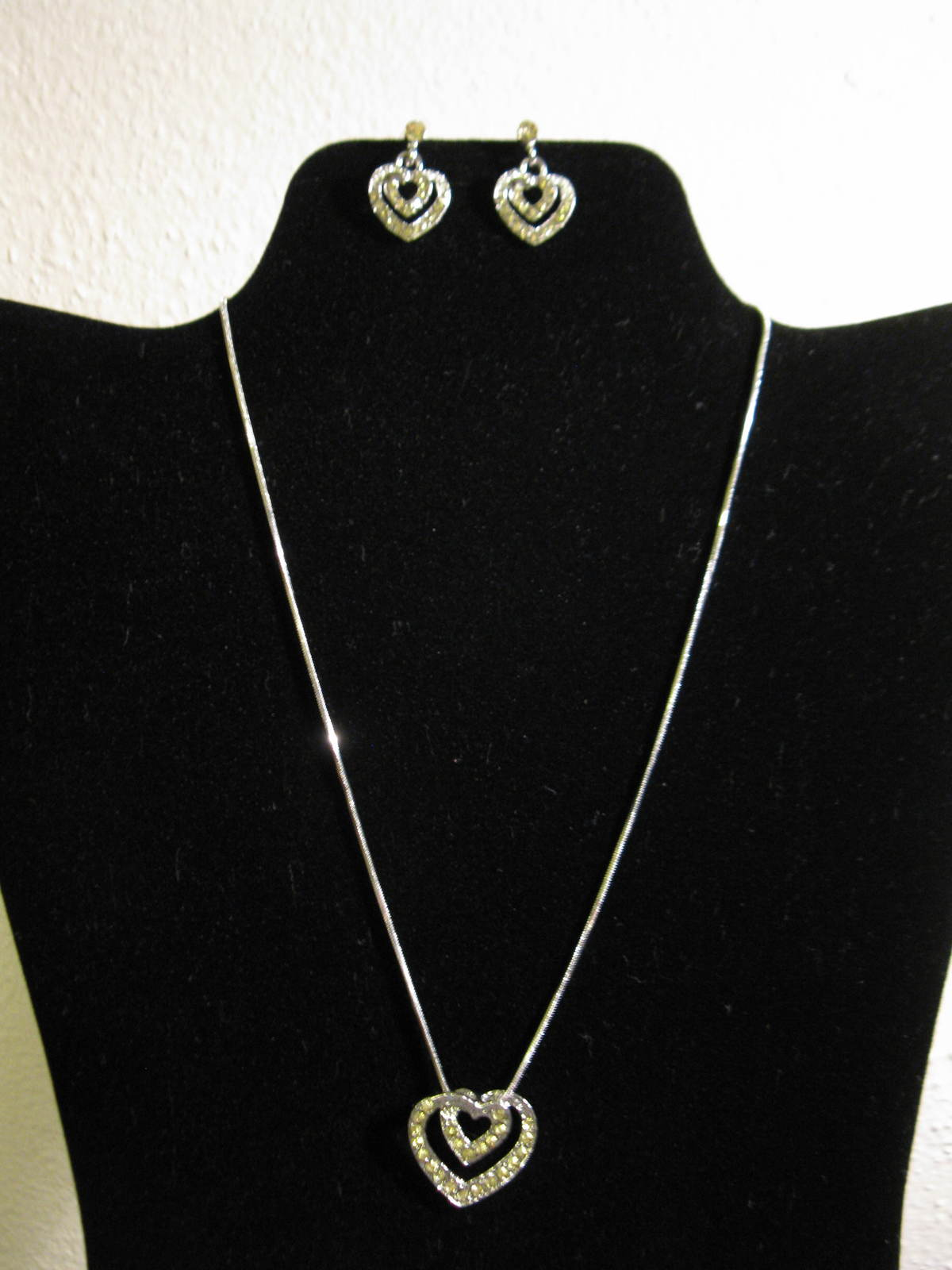 D785 silver heart necklace   earrings