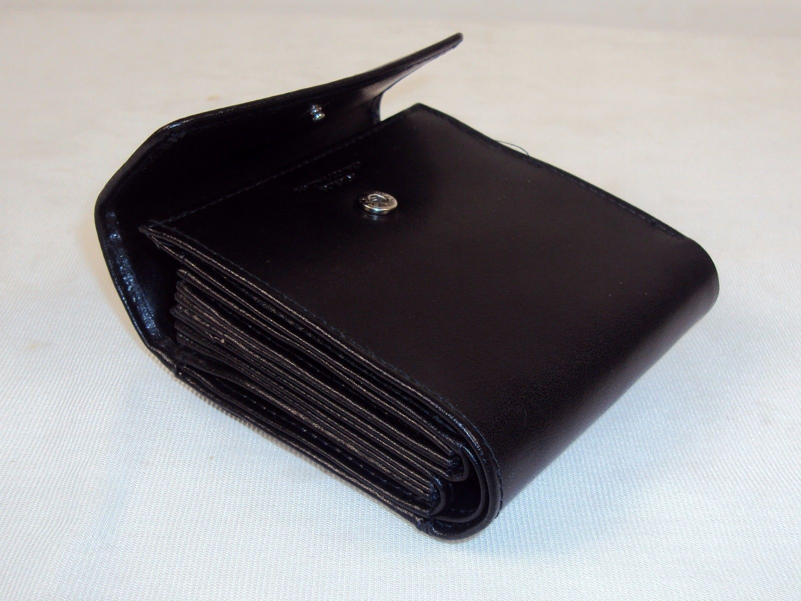 Buxton Leather Ladies' Minimizer Wallet & Coin Purse~ Choice of Black or Tan