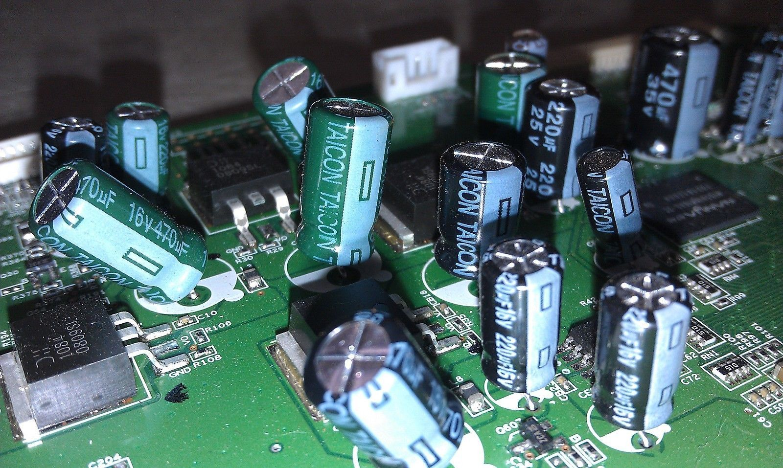 5EE43 ASSORTED SMALL CAPACITORS ON CIRCUIT BOARD, GOOD CONDITION