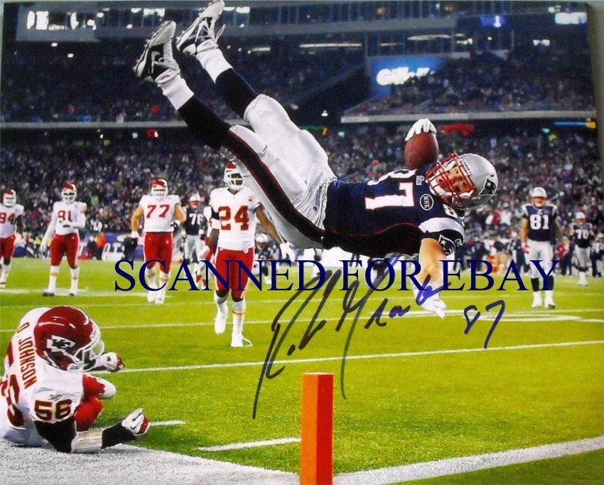 ROB GRONKOWSKI AUTOGRAPHED AUTOGRAPH 8x10 RP PHOTO NE PATRIOTS TD CATCH FLIP