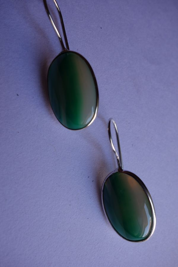 24.15CTS NATURAL CHALCEDONY GREEN & WHITE SILVER PLATED READY TO WEAR EARRINGS#A