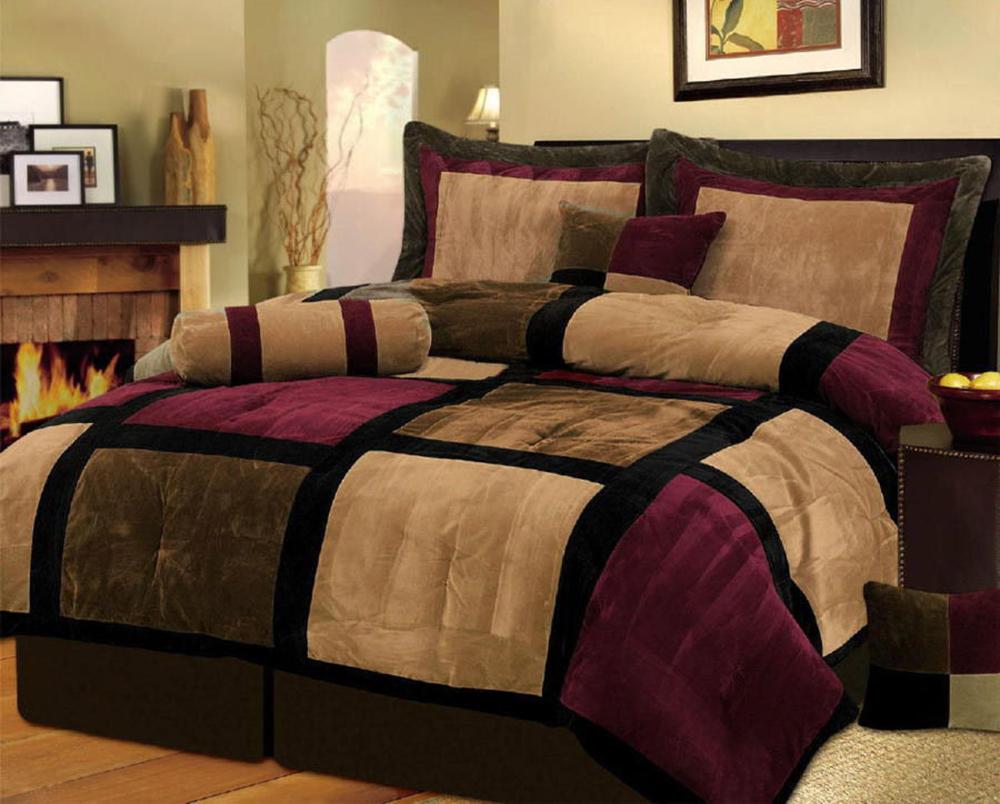 Queen sized comforter burgundy