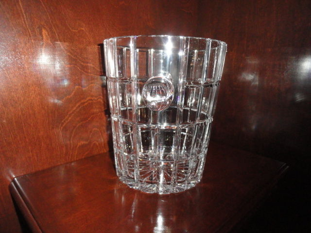 """Metropolitan Clear Cut Pattern Ice Bucket made in Poland  9"""" Tall by 7.75"""" dia."""