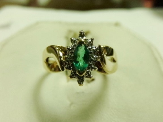 Vintage 10k Yellow Gold & .20ct Marquise Emerald Ladie's Ring Sz 6.5 IK CR Mark