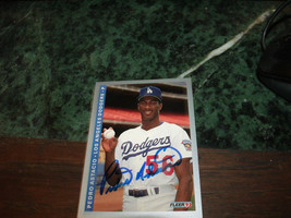 PEDRO ASTACIO HAND SIGNED 1993 FLEER BASEBALL CARD DODGERS - $4.80