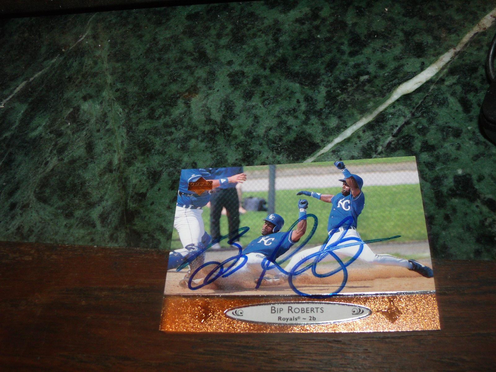 BIP ROBERTS HAND SIGNED 1996 UPPER DECK BASEBALL CARD ROYALS