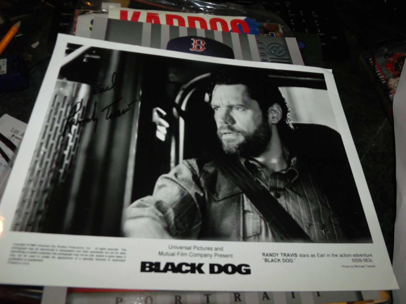 RANDY TRAVIS AS EARL SIGNED BLACK DOG 8X10 MOVIE PROMO PHOTO