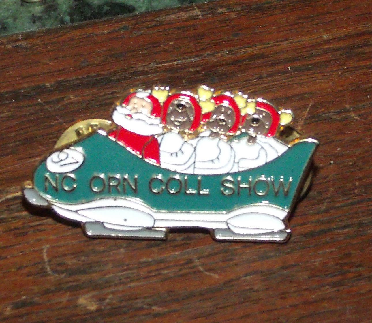 1997 NORTH CAROLINA ORNAMENT COLLECTIBLE SHOW LAPEL PIN