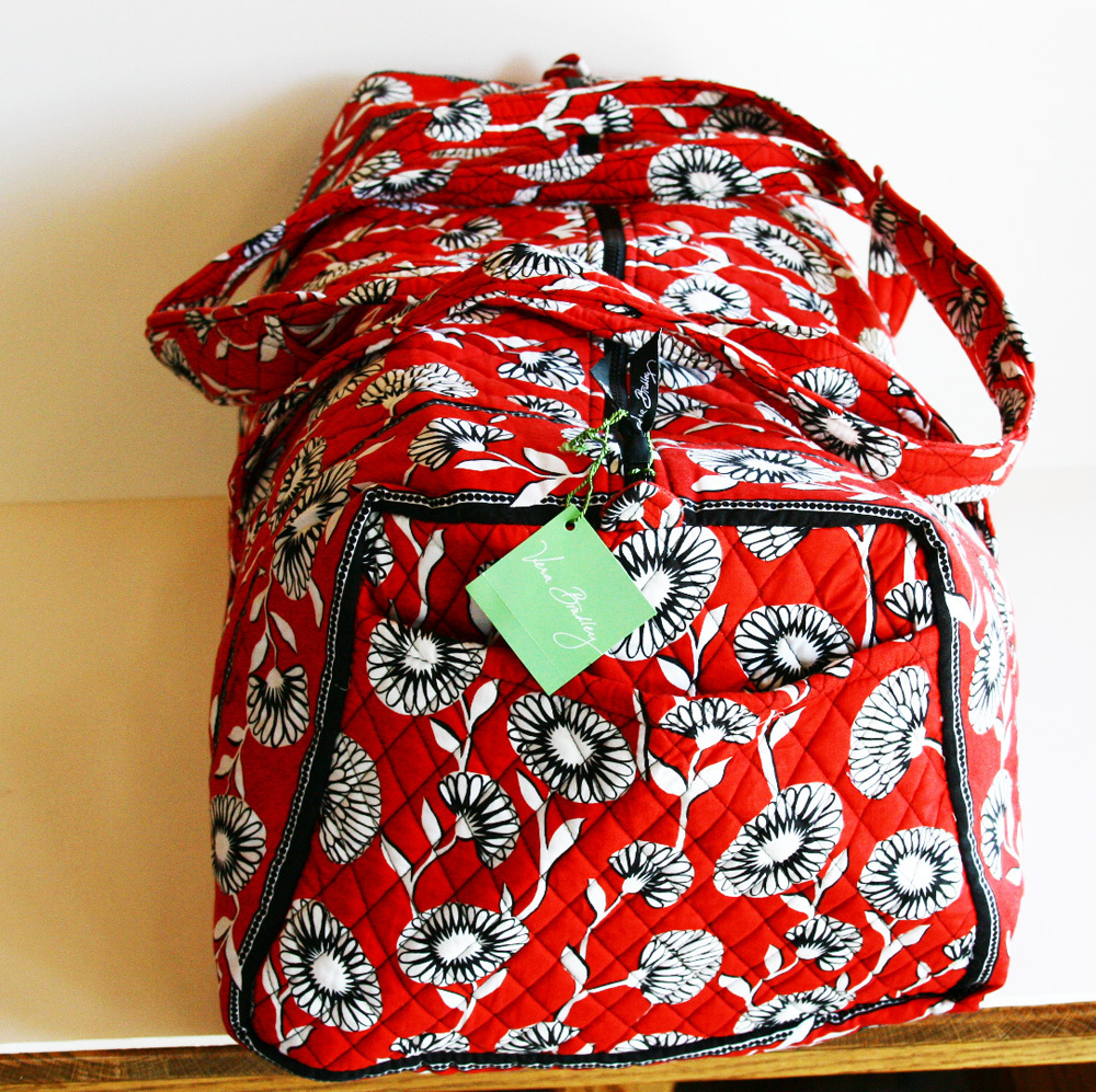 Gym Bag Vera Bradley: Vera Bradley Red Deco Daisy Extra Large Duffel Bag Duffle