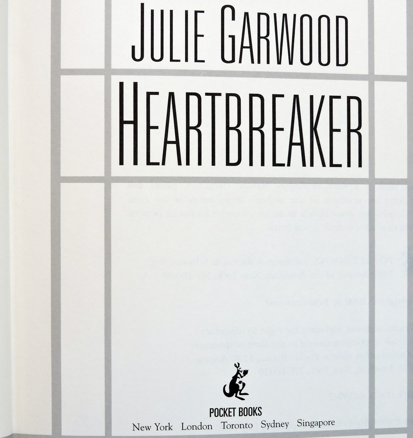 "2000 1st Edition, 1st Printing Book - ""Heartbreaker"" By Julie Garwood - Mint!"