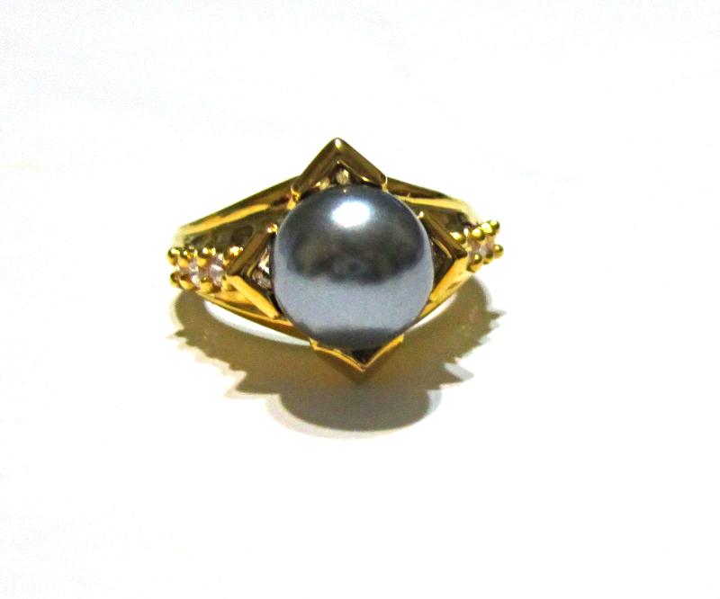 Gray Round Freshwater Pearl & White Zircon Ring, 18K YG / Silver, Size 6.5, 9MM