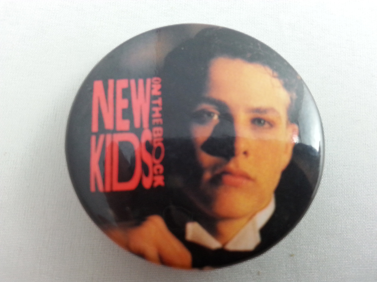 Retro New Kids on the Block Pin - Joey Facial Shot in Tuxedo - Neat - O !!