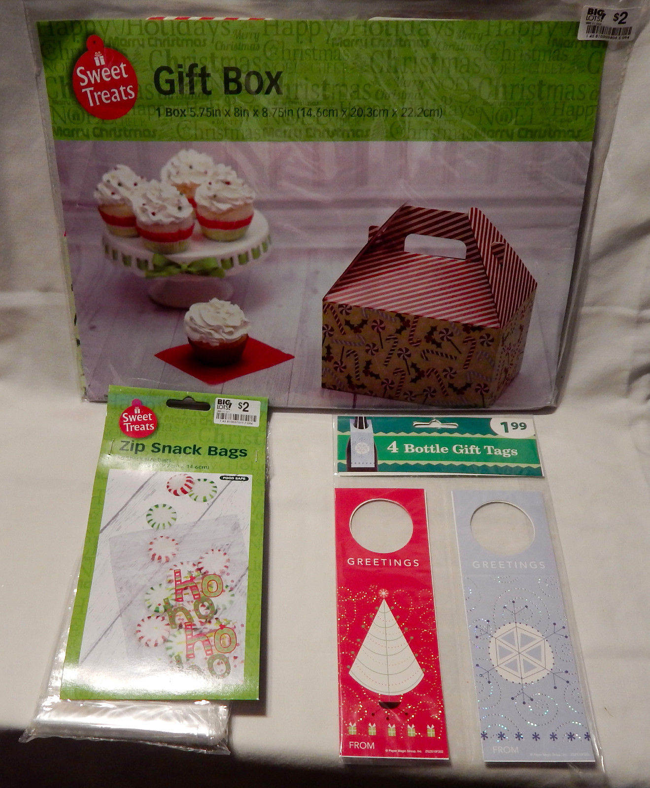 "Christmas Lot Zip Snack Bags 60ea Gift Box 5.75""x 8"" x 8.75"" 4ea Bottle Tags 28H"