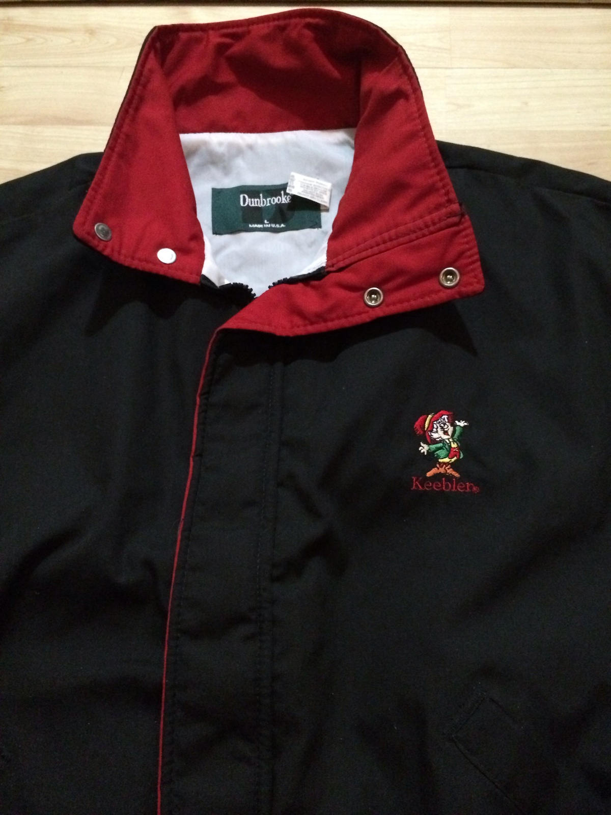 Keebler Elf Embroidered Jacket Sz Large Looks Brand New!  Great Piece!!