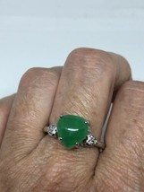 Vintage Green Jade Heart Ring Silver Rhodium Size 8 - $54.45
