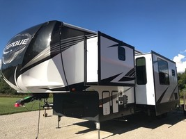 2019 HEARTLAND TORQUE TQ 371 For Sale In Columbia City, IN 46725 image 1