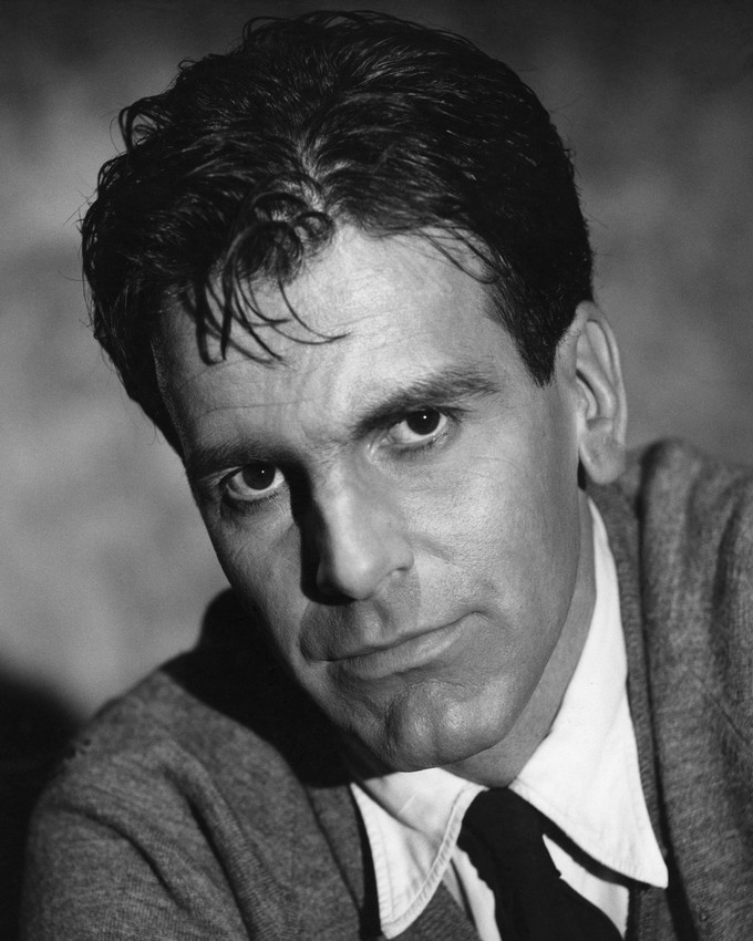 Maximilian Schell studio portrait mid 1960's in shirt and tie 16x20 Canvas Gicle