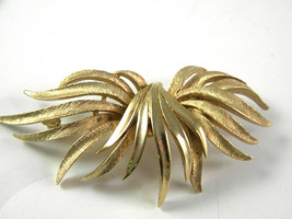 Abstract Coro Golden Tone Signed Brooch vintage Jewelry Pin - $13.49