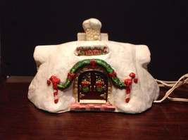 Rare Enesco The North Pole Village Musical Santa's Bakery #316741 With Box - $165.00