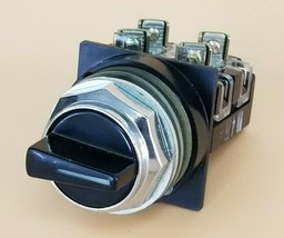 NEW GENERAL ELECTRIC SELECTOR SWITCH 3-POS. image 1