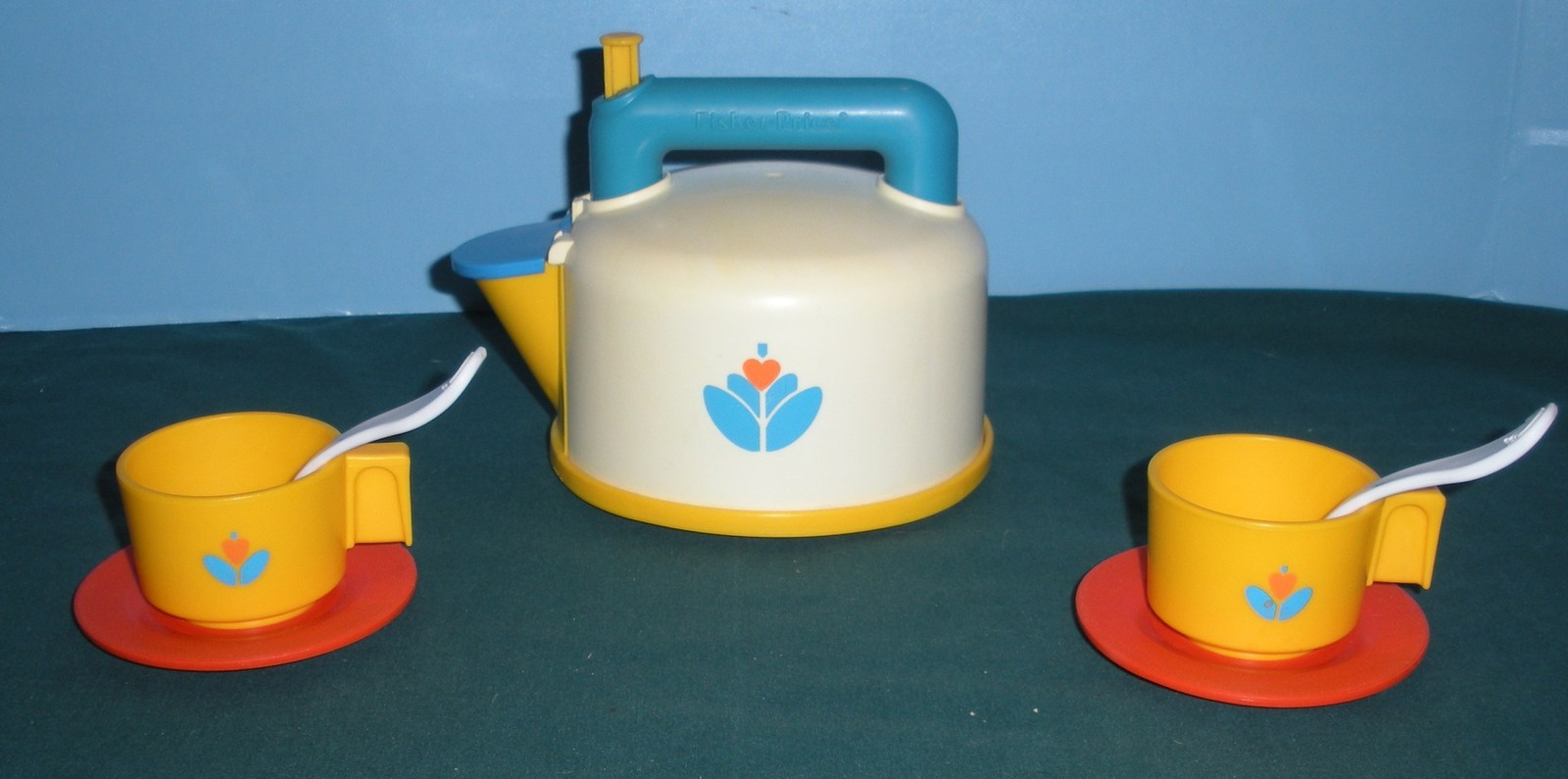 Vtg. Fisher Price Fun with Food #2113 Whistling Tea Kettle Complete/VG++-EXC+ G