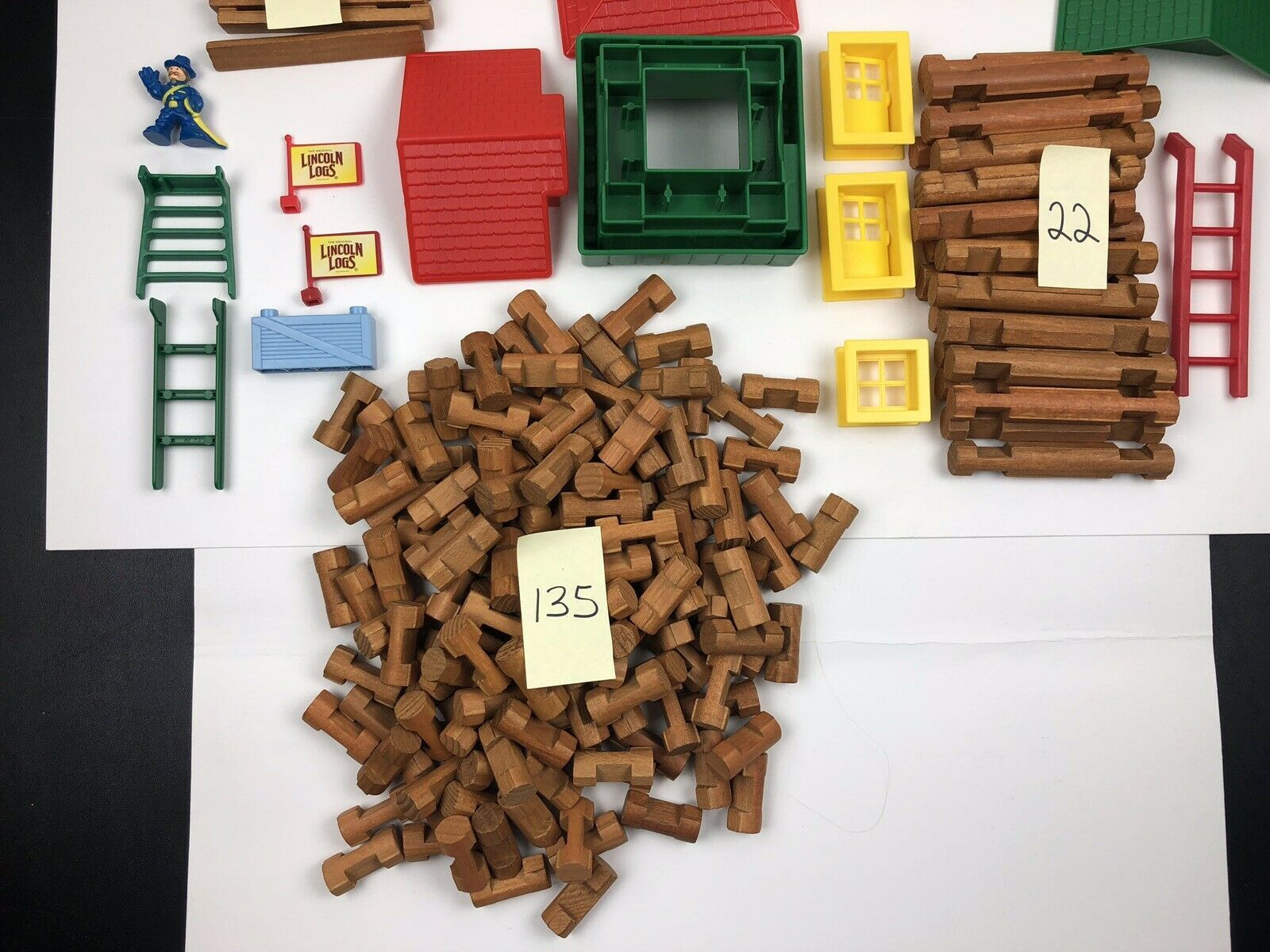 Primary image for Lincoln Logs Building Lot Of 191  6lbs
